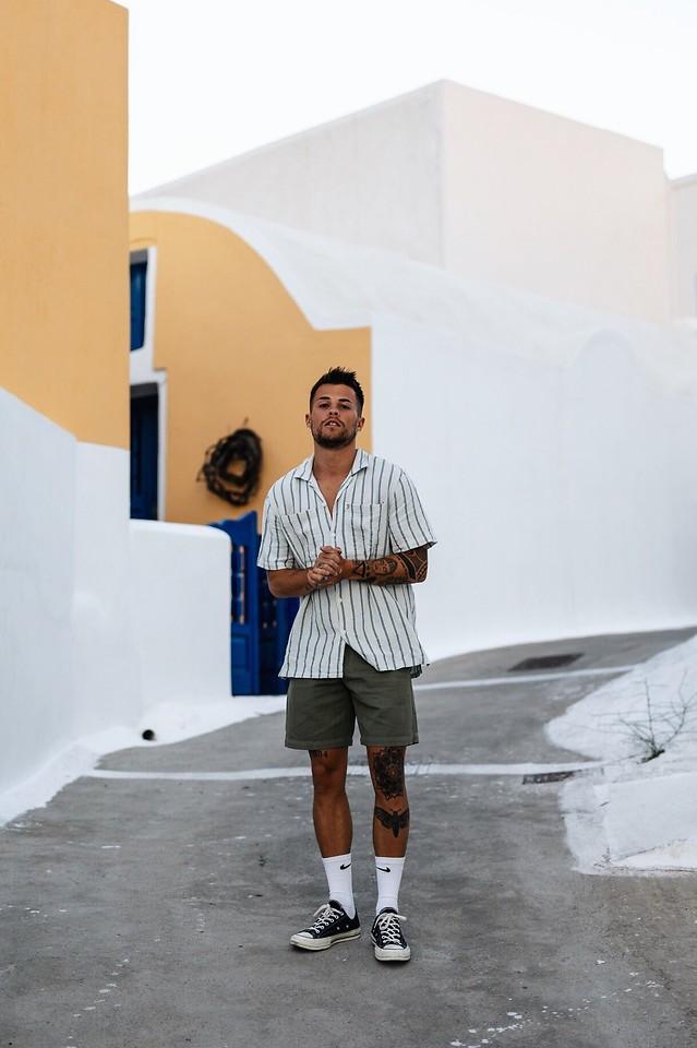 look masculino com Camisa Listras Verticais para virada de ano