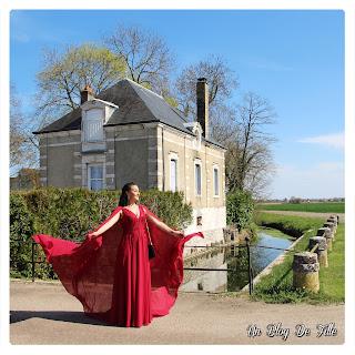 http://www.unblogdefille.fr/2019/04/look-de-soireemariage-ma-longue-robe.html