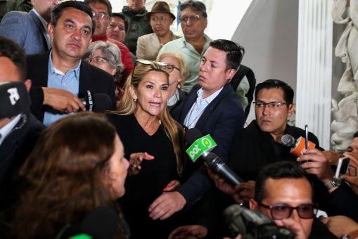 """Bolivia: Senadora Añez """"no podemos estar en desgobierno"""""""