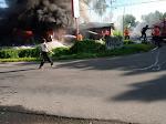 Toko Bangunan merek Afif di Simpang Tembok, Terbakar