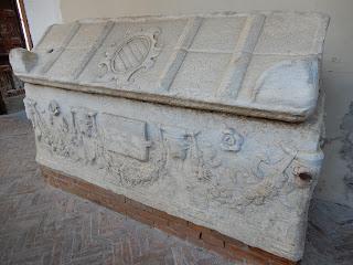 サレルノ大聖堂に置かれた棺