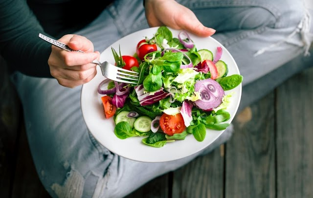 Tips To Pick Food: Choosing Healthy Meals As You Get Older- Healthy Eating Tips For People Age 65+