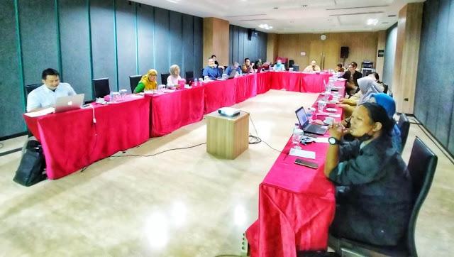 Pokja REDD+ Kalbar sedang melakukan rapat