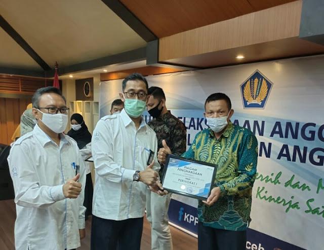 MAN 1 Pidie Jaya peroleh penghargaan dari KPPN, Kakankemenag Pidie Jaya beri apresiasi