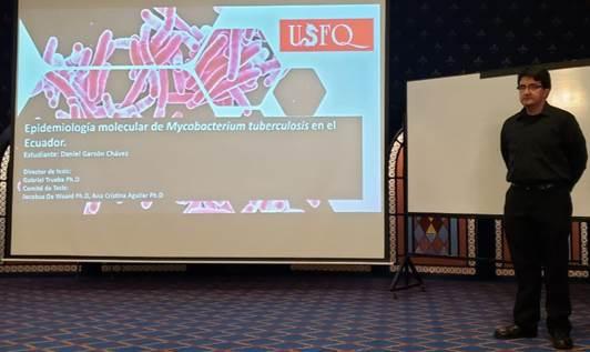 Daniel Garzón se convierte en el primer PhD graduado de la USFQ