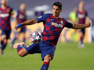 Ajax to make official bid for Barcelona striker Luis Suarez in coming days