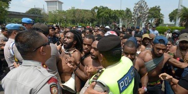 Orang Papua Bikin Pucat Para Penguasa Indonesia