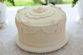 bolo de batizado delicado