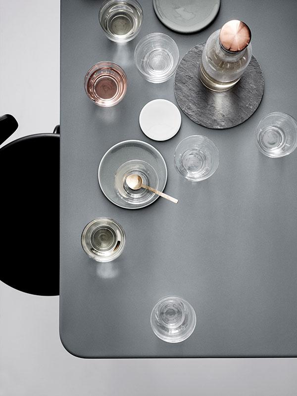 Minimalistyczny zestaw szklany