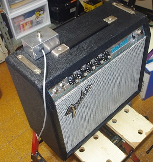 Fender Vibro Champ front view