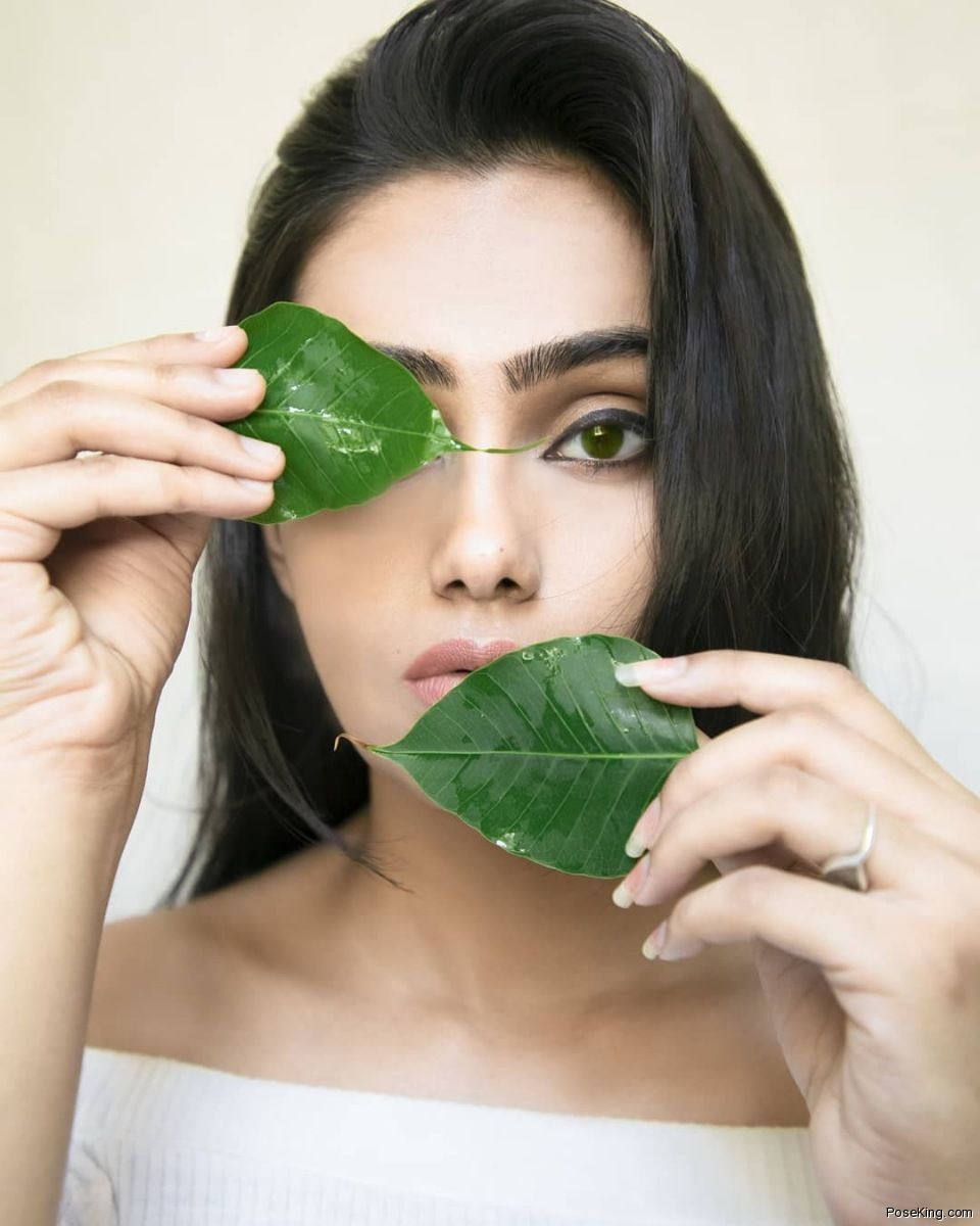 Selfie Pose For Girl With Leaf