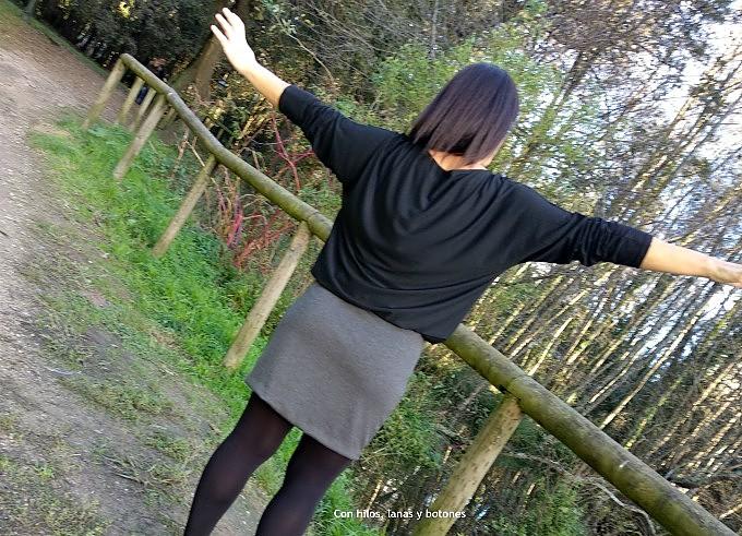 Con hilos, lanas y botones: Cómo hacer un vestido efecto falda y blusa