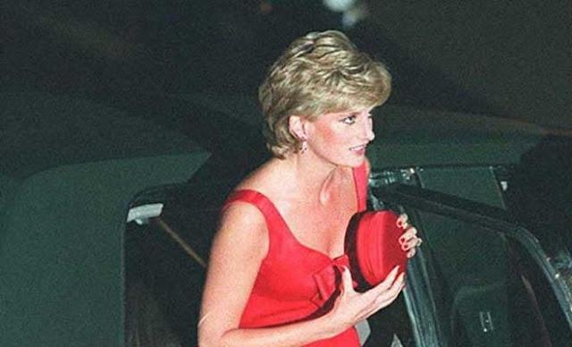 Και … όμως! Να γιατί η πριγκίπισσα Νταϊάνα κρατούσε πάντα μικρό τσαντάκι
