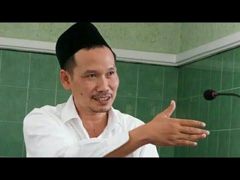 Penjelasan Luar Biasa dari Gus Baha' Soal Keistimewaan Mukjizat Al-Qur'an