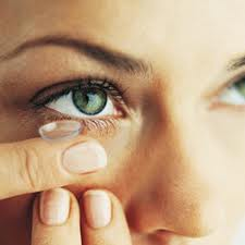 How to take care of eyes while using contact lenses