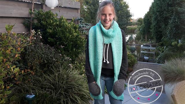 Gebreide en gehaakte shawl met zakken