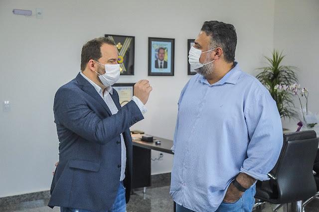 Secretário da Sedam agradece presidente Alex Redano pela aprovação de projeto que garante mais recursos à pasta