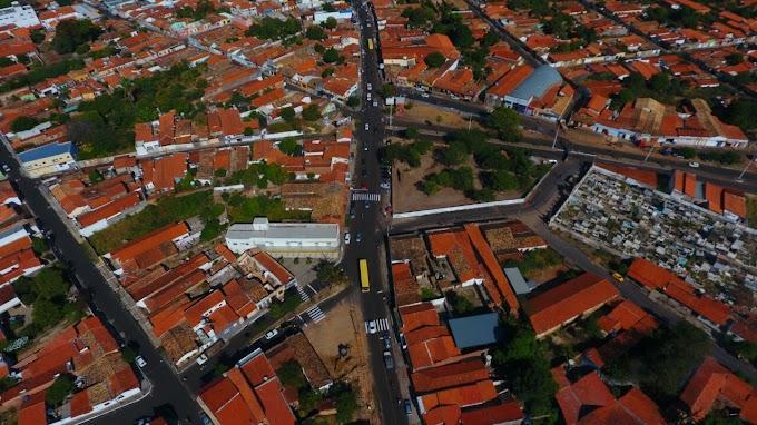 Obras da Praça Luís Marelim (Praça da Chapada) avançam, trânsito é modificado e prefeito garante que o local será mais um ponto turístico de Caxias