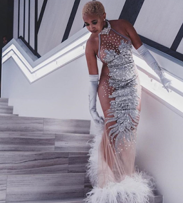 2 - Check out this prom outfit...yay or nay?