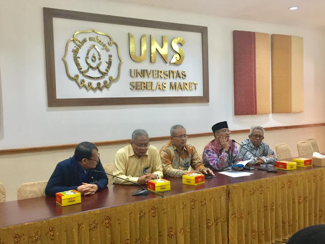 UNS Berikan Gelar Doktor Kehormatan Kepada Panglima TNI