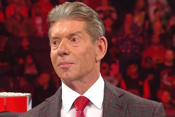 فينس مكمان وراء دفعة كبيرة لأحد نجوم WWE