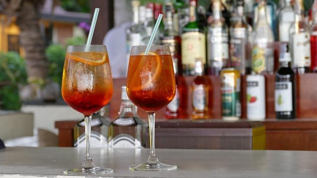 3 cocktailuri delicioase cu vin
