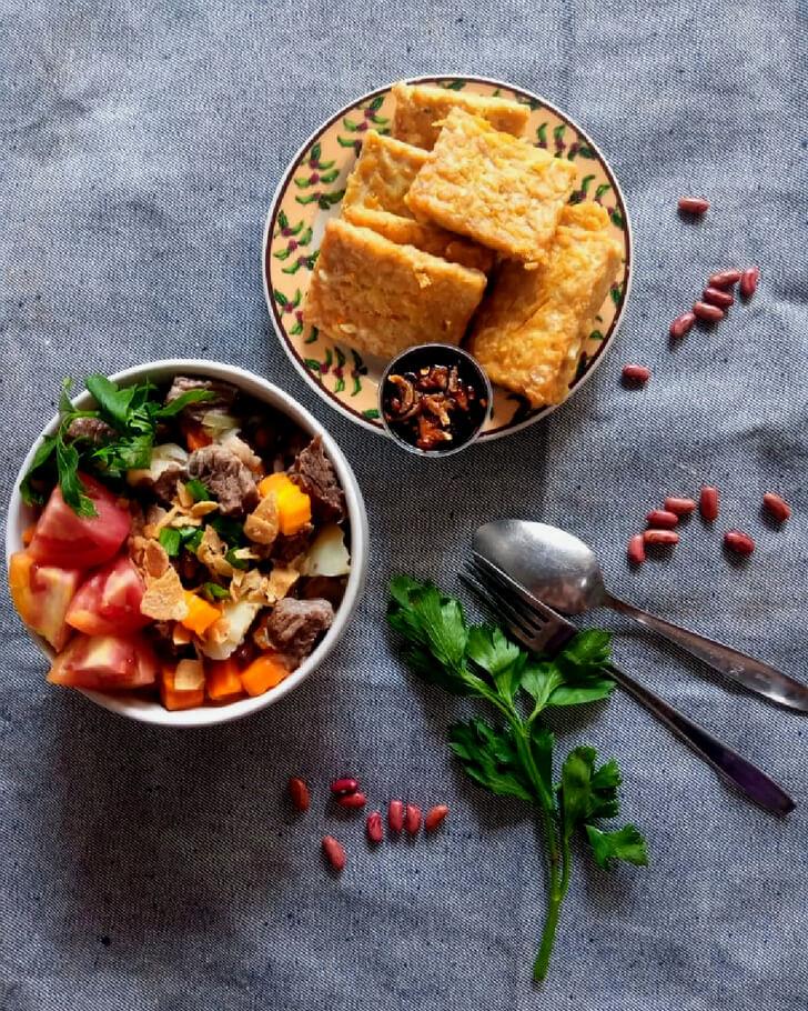 Catering Harian Sop Daging Sapi Kacang Merah + Tempe Goreng + Sambal Kecap
