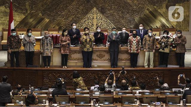 Omnibus Law Ciptaker Puncak Pengkhianatan Negara ke Rakyat, Corona jadi Tameng