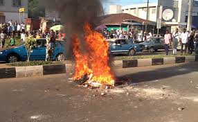 Angry Mobs Roasts 4 Kidnappers After Kidnapping SS3 Student For Rituals