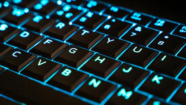 why are the computer keys arranged in AZERTY or QWERTY?