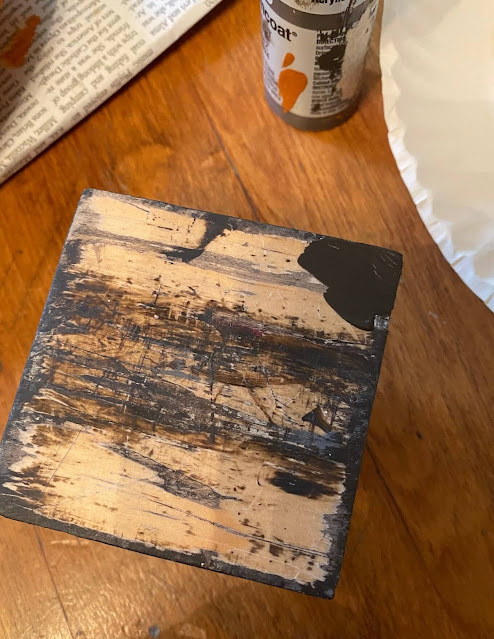 Photo of the Folkart Layering Block for faux distressing.