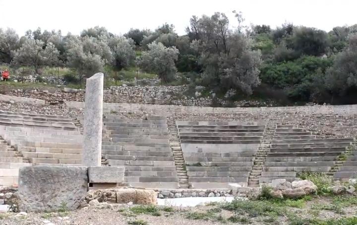 i-mikri-paei-na-ginei-megali-mikro-theatro-tis-archaias-epidavrou