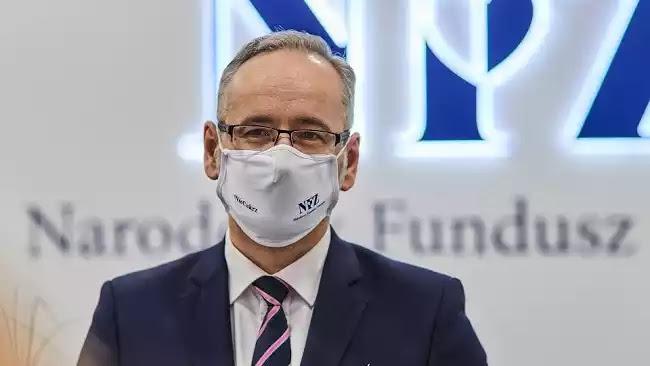 Πολωνός Υπουργός Υγείας: «Εθελοντικός ο εμβολιασμός, αλλά στους εμβολιασμένους ενδέχεται να μην υπάρχουν περιορισμοί»