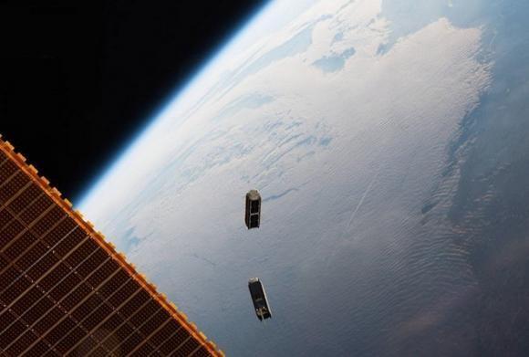 Hàng loạt vệ tinh có thể biến thành vũ khí chết người