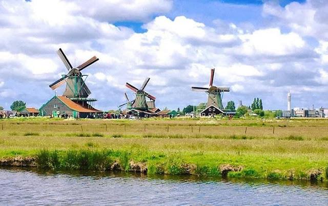 The beautiful Zaanse Dutch windmill field