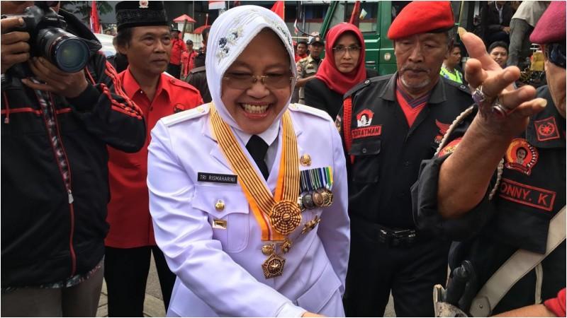 Tri Rismaharini dilantik menjadi Wali Kota Surabaya