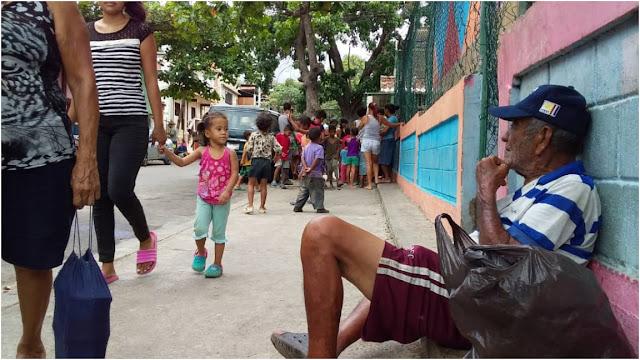 Se disparó la desnutrición: Varguenses tienen dos meses sin recibir comida