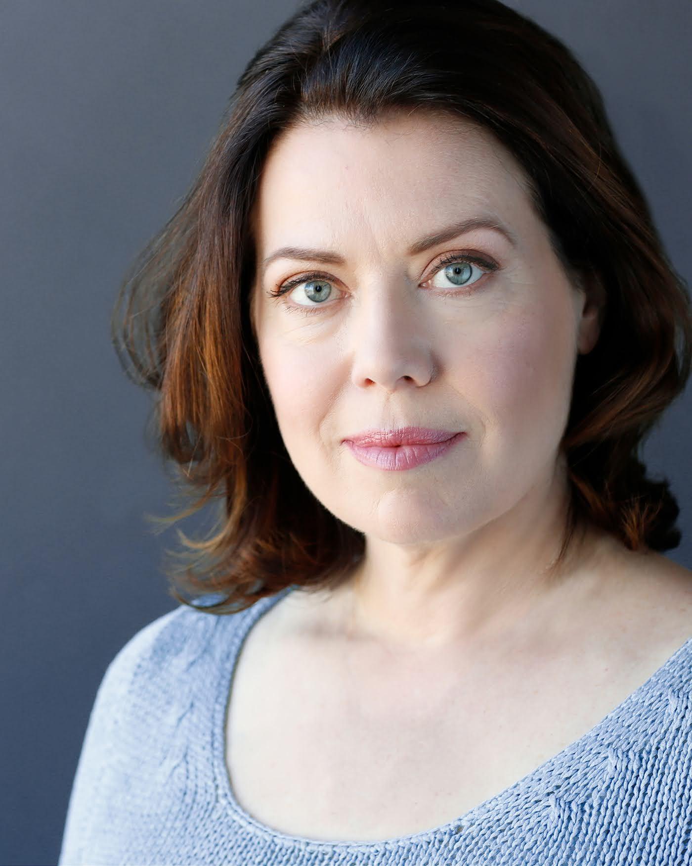 Laura Carson 4