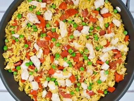 How to Make Skillet Chicken Paella