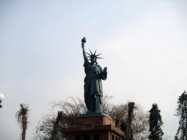 patung liberty boyolali
