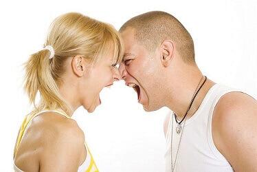 10 Tanda Kekasih Anda Pengongkong