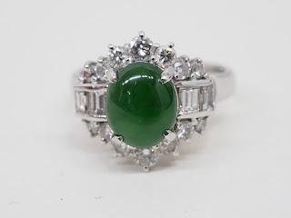 プラチナ製の指輪をお買い取り致しました 翡翠とメレーダイヤモンド入りリングです