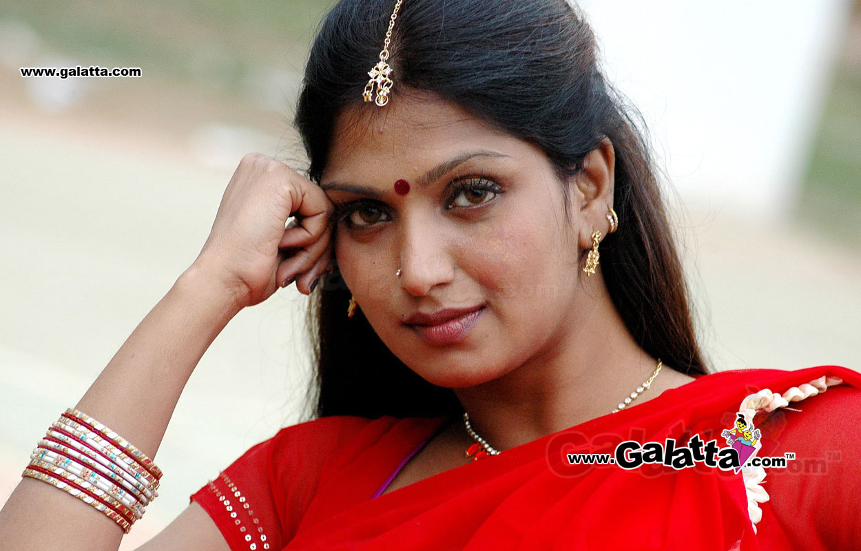 Indian Aunties And Girls Desi Aunties In South Indian Movies-4636