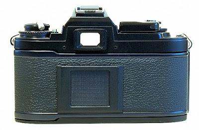 Nikon FG, Back