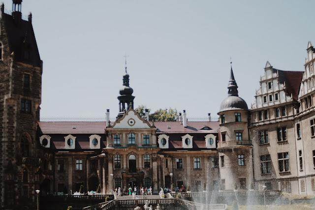 Moszna Zamek co warto zwiedzić