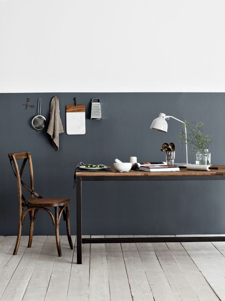 half black wall woodwn floor