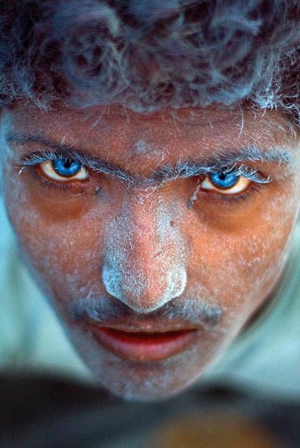 Hayati Art: Blues Eyes