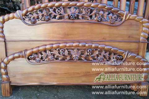 tempat tidur kayu jati ukiran anggur
