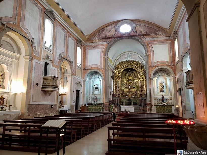 Interior da Igreja de São Pedro em Óbidos, Portugal