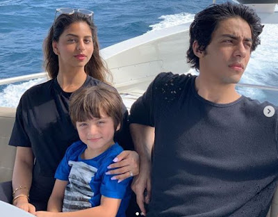 Suhana khan with her brothers